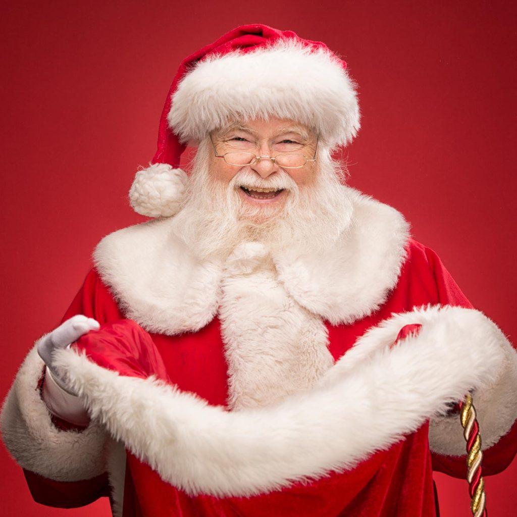 Santa smiling in hat
